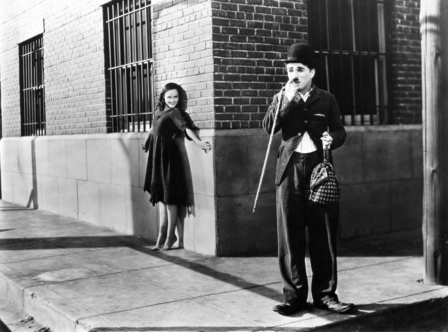 Fein Resumo Tempos Modernos Charlie Chaplin Ideen - Beispiel ...